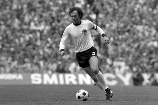loffit-franz-beckenbauer-el-primer-y-unico-kaiser-del-futbol-mundial-04.jpg